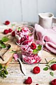 Frozen Yoghurt mit Himbeeren (Keto-Küche)