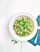 Gnocchi mit Erbsen, Pesto und Spinat