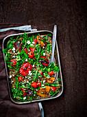 Getreidesalat mit gebratenem Gemüse und Feta