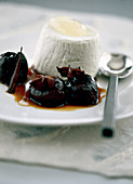 Cinnamon, honey and plum compote with ricotta
