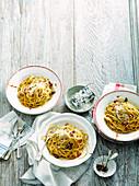 Spaghetti mit Marmite und Pancetta