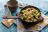 Spaghetti mit Broccoli und Wurstbällchen