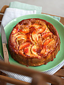 Peach cake with lemon