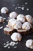 Italienische Amaretti-Kekse