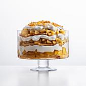 Apfel-Trifle mit Calvados, Ingwersirup und Ricottasahne