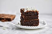 Schokoladen-Brownies mit Kokosflocken