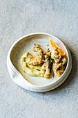 Spargel im Haselnuss-Sekt-Teig mit Orangen-Butter-Mayo