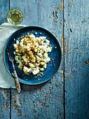 Makkaroni mit Blumenkohl und Käse