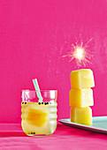 Crystal Colada mit Pfeffer, Ananas und Kokoswasser