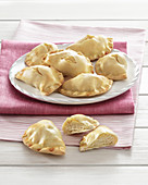 Fiadoni (sweet pastry parcels with ricotta cream, Italy)
