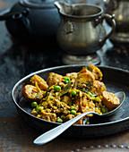 Potato curry with peas (India)