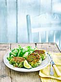 Crab Cakes mit Zitronengras und Gurkensalat