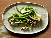 Green beans with seared lettuce and mushrooms