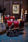 Rote-Bete-Cocktails zu Halloween