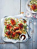 Sticky Chicken mit Harissa und Couscous