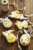 Easter biscuits for hanging up
