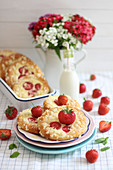 Quark and strawberry pastries