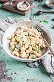 Maccaroni and cheese with brussels sprout