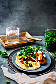 Falafel with hummus, lamb's lettuce, dried tomatoes and capers