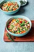 Minestrone with peas, beans and carrots