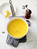 Kürbis-Linsen-Suppe