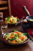Chicken curry with carrots and broccoli (China)