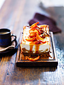 Cheesecake with peaches and cinnamon