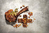 Grilled rib with Schabziger butter and legumes