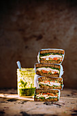 Chicken sandwich with goat's cheese and pesto
