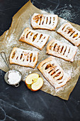 Vegan apple bags with puff pastry