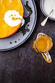 Griess-Orangenkuchen mit Joghurt und Orangensirup