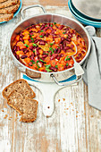 Red kidney bean stew with tomatoes