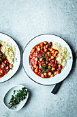 Vegan chilli with chickpeas and couscous
