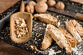 Walnut cantuccini