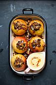 Baked apples with vanilla sauce (vegan)