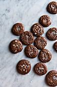 Brownie-Kekse mit Meersalz