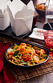 Chow Mein with shrimp and vegetables