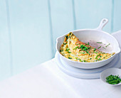 Brunnenkresse-Käse-Omelett mit Schnittlauch
