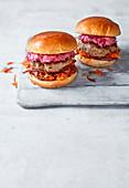 Lamm-Quinoa-Burger mit Rote-Bete-Tzatziki