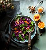 Rotkohlsalat mit Brunnenkresse und Blutorangen