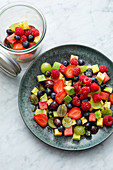 Avocado-Frucht-Salat 'To Go'