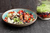 Oriental kebab-style meat salad to take away