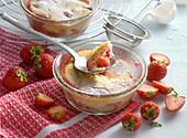 Gratinated strawberry dessert
