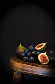 Fig and blackgrape, still life