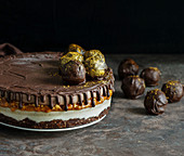 Chocolate vegan cake with peanuts (Snickers Cake)