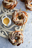 Almond bundt cakes with poppy and lemon