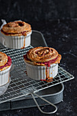 Pot pies with apple