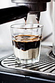 Affogato al café (Espresso mit Vanilleeis)