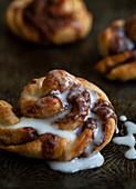 Cinnamon bun with icing