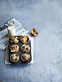 Aprikosen-Blaubeer-Mandelmuffins